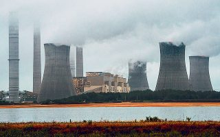 Η διαρροή εκπομπών αερίων ρύπων αποτελεί τον βασικό κίνδυνο υπό το πρίσμα της αντιμετώπισης της κλιματικής αλλαγής.