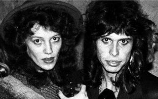 Η Τζούλια Χόλκομπ και ο Στίβεν Τάιλερ των Aerosmith είχαν σχέση όταν αυτή ήταν 16 ετών και εκείνος 26.