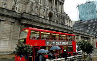 Η Τράπεζα της Αγγλίας προϊδέασε την αγορά ότι θα αυξήσει τα επιτόκιά της πριν από το τέλος του έτους (φωτ. A.P.).