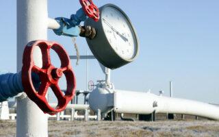 «Με βάση τα συμβόλαια μελλοντικής εκπλήρωσης (futures) οι τιμές του φυσικού αερίου θα κινούνται στα ίδια επίπεδα μέχρι τον Μάρτιο», ανέφερε ο πρόεδρος της ΡΑΕ Αθανάσιος Δαγούμας, προϊδεάζοντας εμμέσως για την άνοδο των τιμών του αερίου (φωτ. AP).