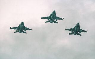 Κατά τη διάρκεια του «Παρμενίωνα '21», η Πολεμική Αεροπορία ανέπτυξε το σύνολο της ποικιλίας αεροπορικών μέσων που διαθέτει.
