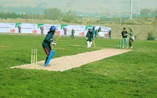 «Η μπάλα» των απαγορεύσεων θα πάρει και το εξαιρετικά δημοφιλές στο Αφγανιστάν άθλημα του κρίκετ, με την εθνική αφγανική ομάδα γυναικών να παύει το πιθανότερο ακόμη και να υφίσταται. (Φωτ. Twitter: UN Women Afghanistan)