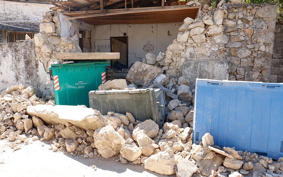 seismos-stin-kriti-2-500-skines-gia-seismopliktoys-ti-lene-oi-eidikoi1
