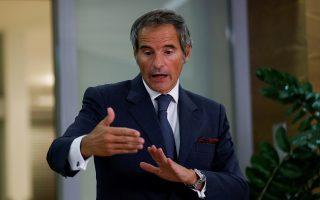Ο γενικός γραμματέας της ΙΑΕΑ Ραφαέλ Γκρόσι απευθύνεται σε δημοσιογράφους (φωτ.: Reuters/Leonhard Foeger).