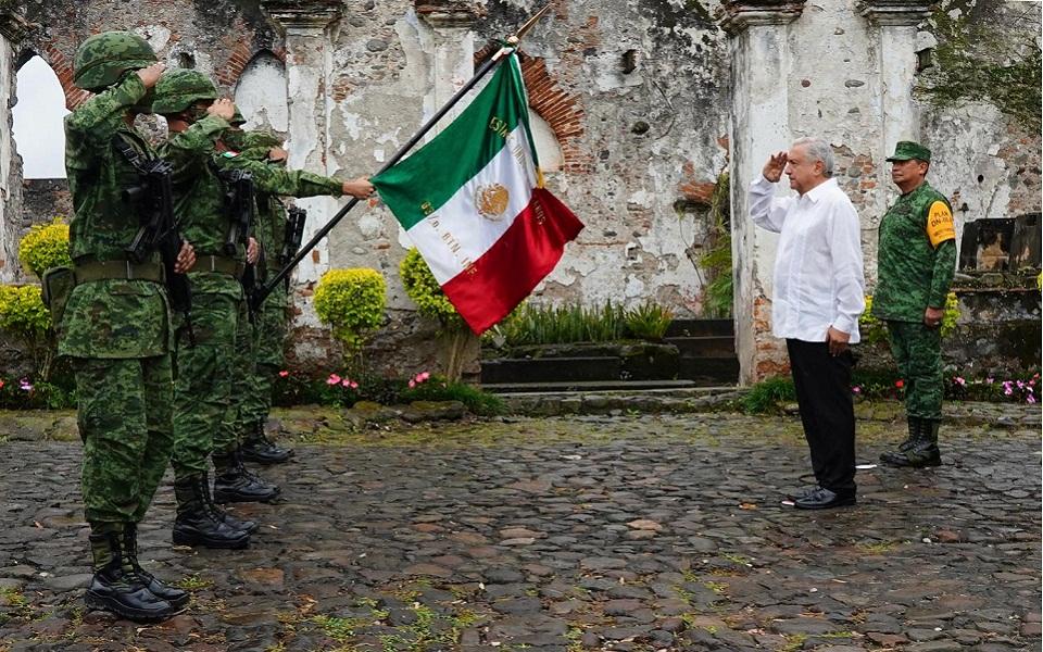 mexiko-etoimasies-gia-ti-diki-toy-epeteio-200-eton-anexartisias3