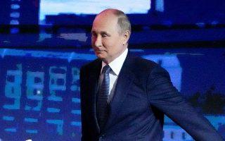 Τα συμφέροντα του Βλαντίμιρ Πούτιν εξυπηρετεί στη Γερμανία το RT Deutsch, το οποίο αυξάνει ολοένα τη δημοφιλία του ενόψει εκλογών (φωτ. Alexander Zemlianichenko/Pool via REUTERS).