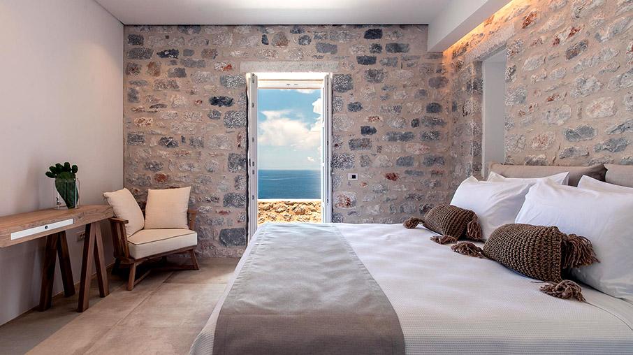 aria-estate-suites-amp-038-spa-stin-areopoli-tis-manis1
