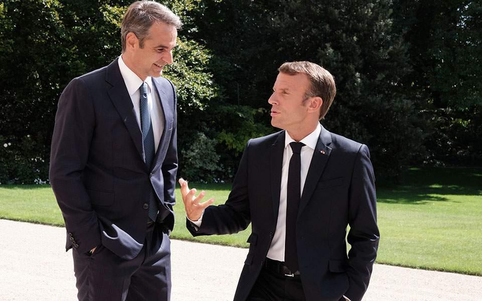 Στη Γαλλία ο Κ. Μητσοτάκης – Τετ α τετ με Μακρόν