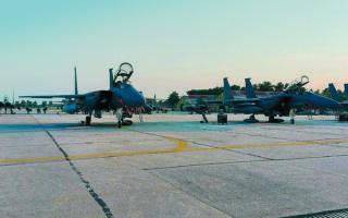 Ολοκληρώθηκε χθες η μεταστάθμευση μαχητικών αεροσκαφών τύπου F-15 της αμερικανικής αεροπορίας (USAFE) στην 110 Πτέρυγα Μάχης στη Λάρισα.