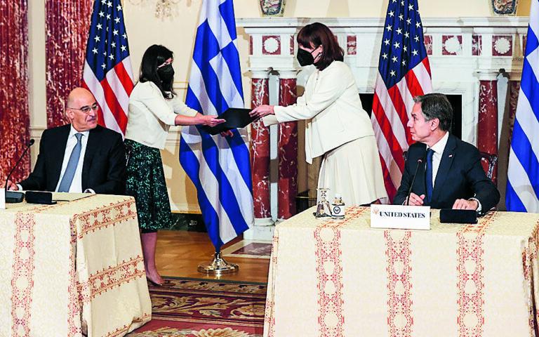 Στην επιστολή του ο Αντονι Μπλίνκεν εκφράζει την ικανοποίησή του για τη δέσμευση της ελληνικής κυβέρνησης για «διάλογο με τους γείτονές της» και την «προσήλωση στην ειρηνική επίλυση των διαφορών μέσω της διπλωματίας και σε συμφωνία με το διεθνές δίκαιο». (Jonathan Ernst / Pool via A.P.)