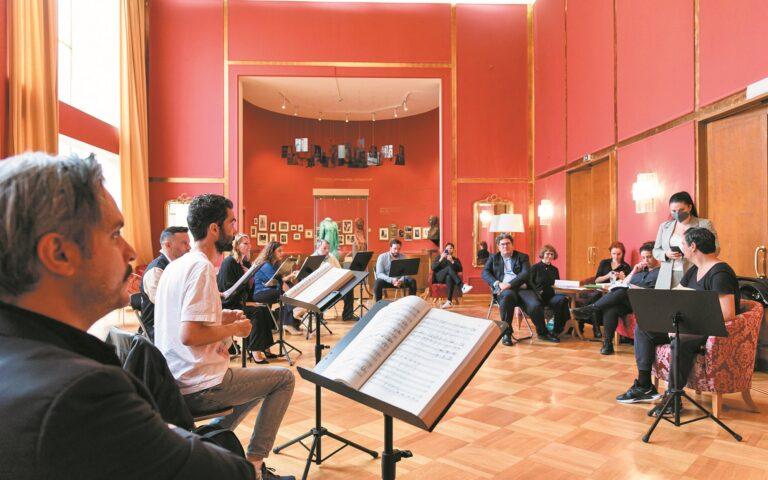 Πρόβα για την παράσταση της όπερας «Η πολιορκία της Κορίνθου» του Τζοακίνο Ροσίνι, στο θέατρο Ολύμπια. (STUDIO KOMINIS)