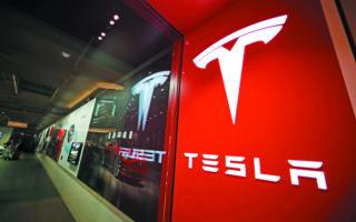 Η υπόθεση αυτή μπόρεσε να προχωρήσει, επειδή ο πρώην εργαζόμενος δεν είχε υπογράψει υποχρεωτικήσυμφωνίαδιαιτησίας με την Tesla.