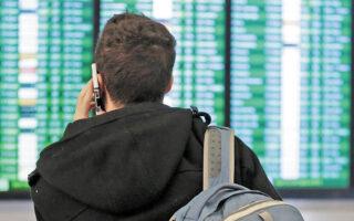 Οι περισσότερες αεροπορικές εταιρείες δεσμεύθηκαν ότι τα αχρησιμοποίητα κουπόνια για ακυρώσεις πτήσεων, που έπρεπε να αποδεχθούν οι επιβάτες στα πρώτα στάδια της πανδημίας, μπορούν να επιστραφούν σε χρήματα (φωτ. Reuters).