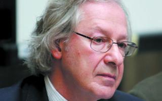 «Το ελληνικό επιχείρημα είναι πως το ΝΑΤΟ μάς προστατεύει όλους. Αλλά τι γίνεται αν έχουμε προβλήματα μέσα στη Συμμαχία;», αναρωτιέται ο κ. Ερλάνγκερ αναφορικά με την αμυντική συμφωνία Ελλάδας - Γαλλίας. Φωτ. ΑΠΕ