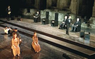 Στα συν της πρωτότυπης παράστασης η δημιουργική εργασία του σκηνοθέτη Σταύρου Καραγιάννη.