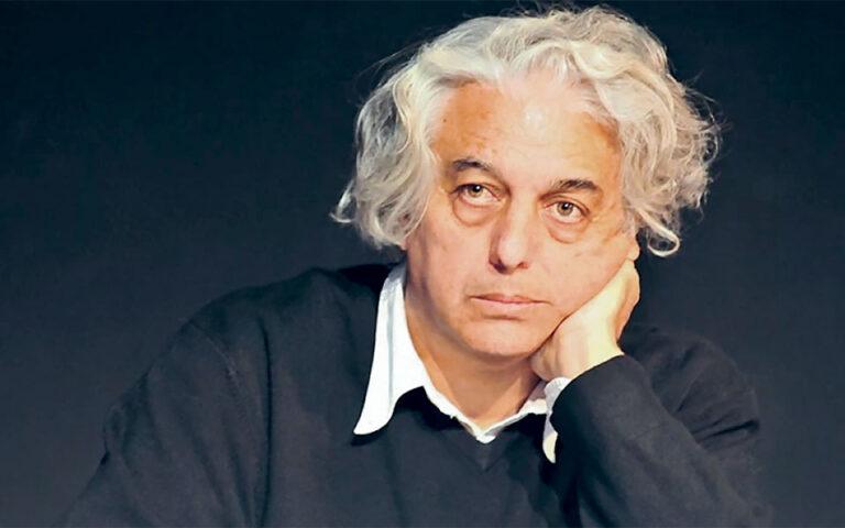 Ο ποιητής Γιώργος Κακουλίδης.