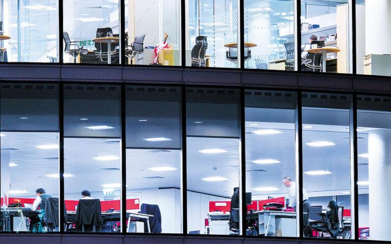 Ο κύκλος εργασιών των αλλοδαπών συνδεόμενων επιχειρήσεων ανήλθε το 2019 σε 48 δισ. ευρώ, τζίρος που αντιστοιχεί στο 18% του κύκλου εργασιών που πραγματοποιεί το σύνολο των επιχειρήσεων στην Ελλάδα. (Shutterstock)