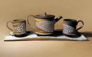 Εργο της Δώρας Μόρφη που παρουσιάζεται στην έκθεση «Keramiko Design».