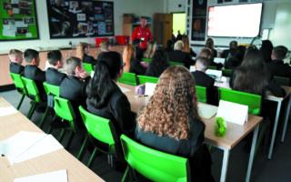 Το μεσοαστικό Λονδίνο έχει εμμονή με τα σχολεία και το σύστημα τροφοδοτεί αυτή την προσήλωση. (ASSOCIATED PRESS)