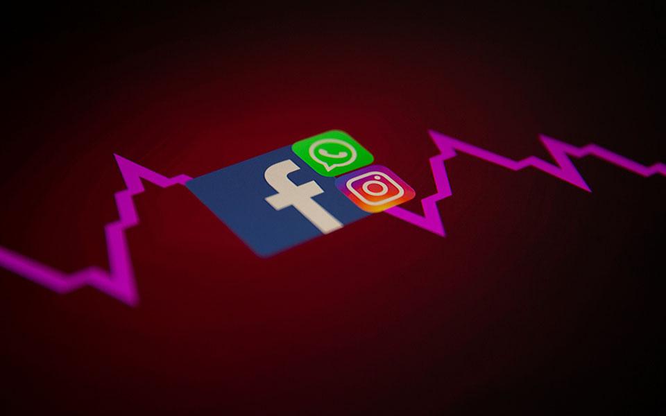facebook-sti-dini-skandalon-kai-protofanoys-mplak-aoyt3