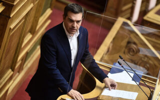 Δύο αλλαγές ζητεί ο αρχηγός της αξιωματικής αντιπολίτευσης Αλέξης Τσίπρας προκειμένου να υπερψηφίσει τη συμφωνία την ερχόμενη Πέμπτη (φωτ. INTIME).